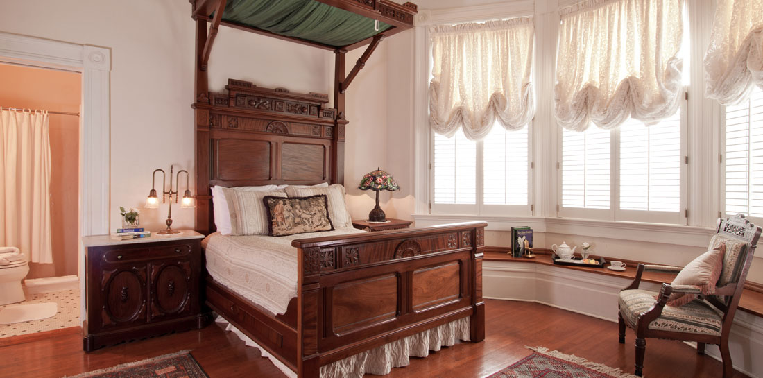 Incredible New Orleans Lodging - Bedroom