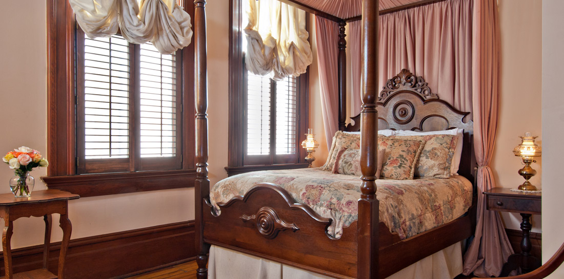 Garden District Bed and Breakfast Bedroom